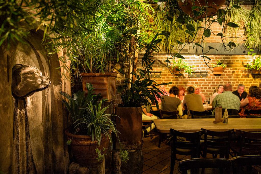Wintergarten Köln hellers brauhaus in köln restaurant hellers